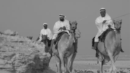 blackandwhite desert camels people photography