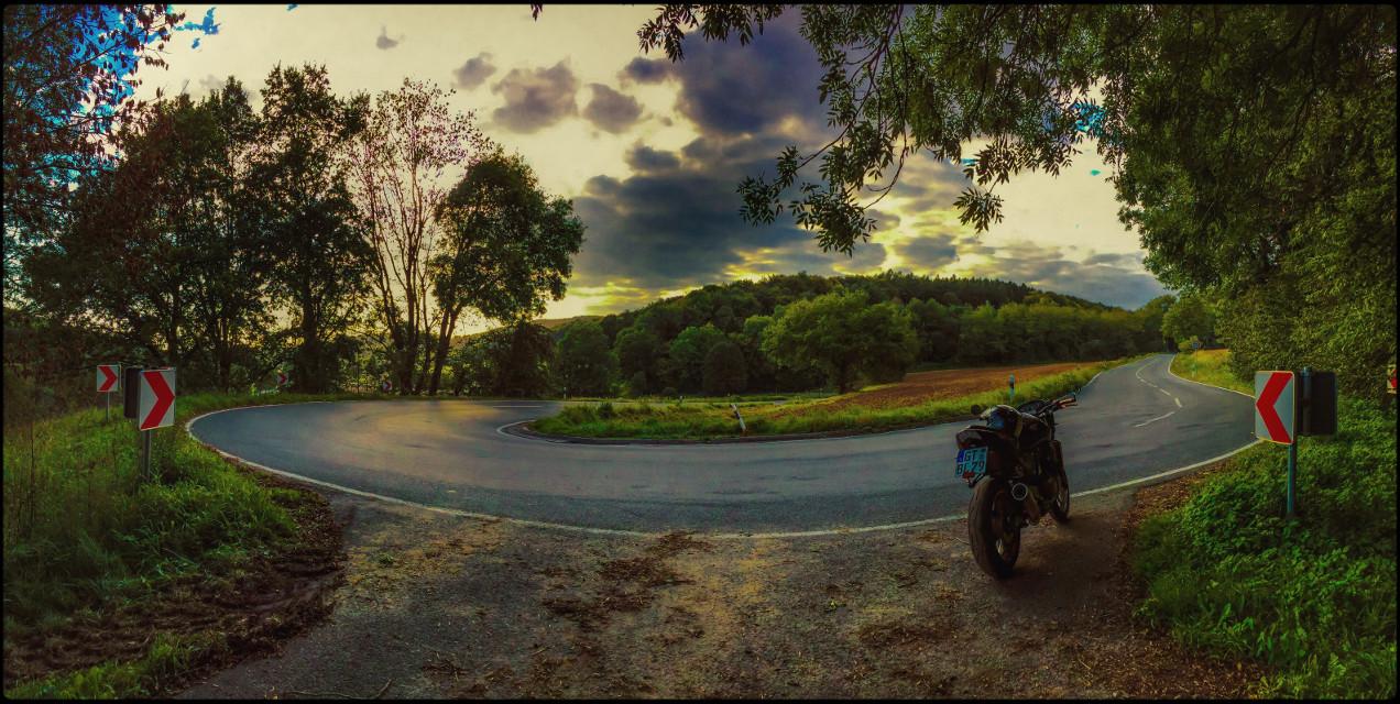 #mybike #motorbike #mydaisy #travel #me #sun #horizon #panorama #fun #streetphotography  #drive #rideordie #luxxxs
